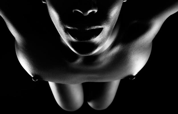Aprop – Erotic shadows and choreography