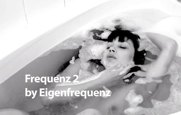 Naked in the bathtub – Electronic Music Video