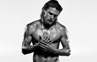 Charlie Hunnam – Fifty shades of hotness