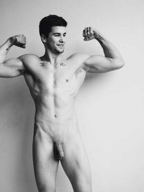 Nude Male Model Photo 112